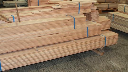 Lames de bois pour finition