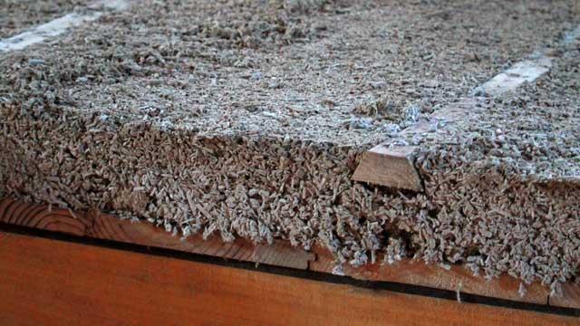 Vue en coupe d'un plancher isolant